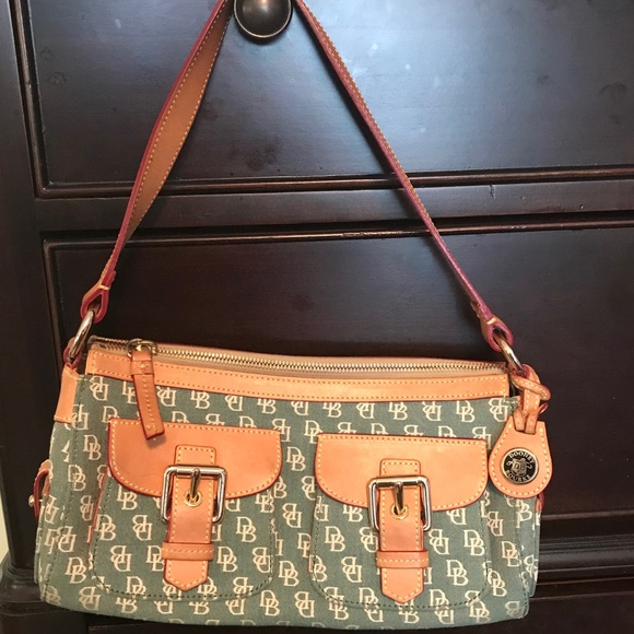 Dooney & Bourke Handbags - Vintage Dooney & Bourke green signature satchel.